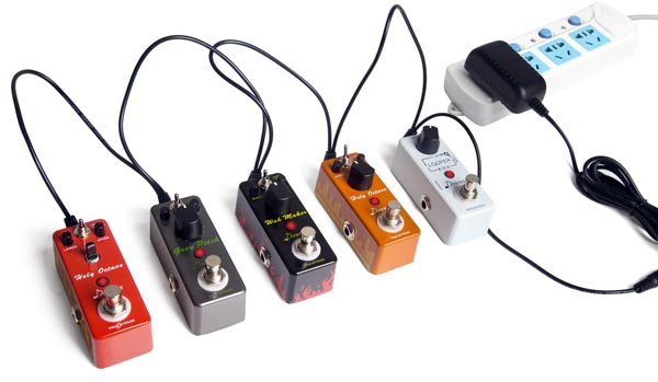 How to Daisy Chain Multiple Guitar Pedals - Guitar Gear Finder