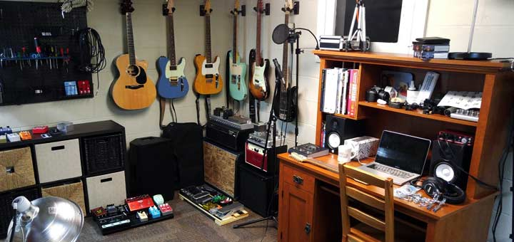 setting up an ideal guitar practice space guitar gear finder. Black Bedroom Furniture Sets. Home Design Ideas