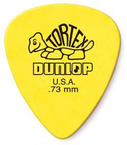 Medium guitar pick