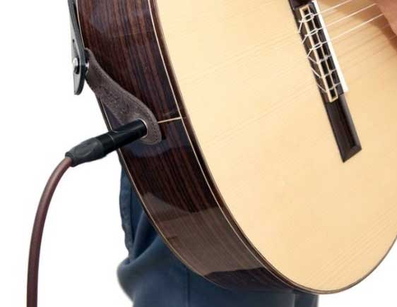 Acoustic guitar endpin jack