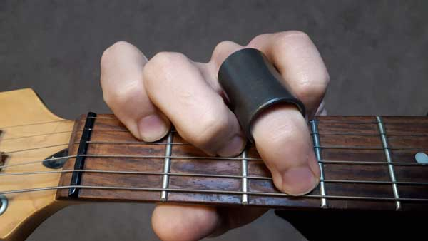 Partial guitar slide