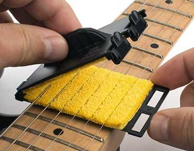 Guitar cloth cleaning tool