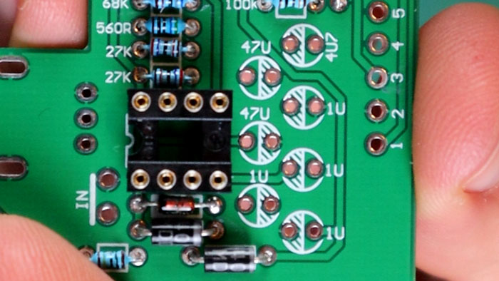 Electrolytic capacitors on PCB