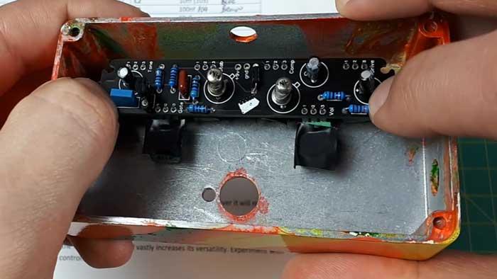 Mounting guitar pedal PCB