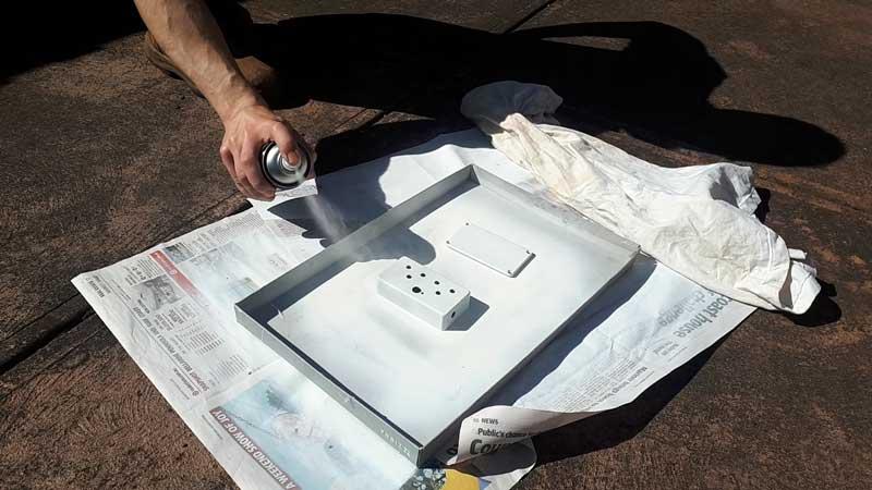 Paint guitar pedal enclosure