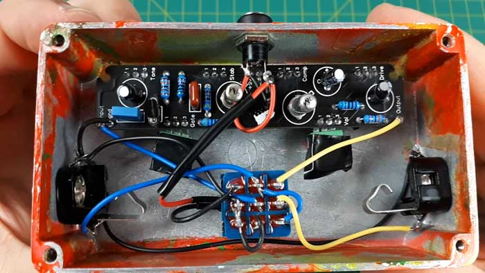 Wired DIY guitar pedal kit